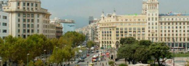 Guide complet de la Plaça Catalunya à Barcelone, lieu de passage inévitable