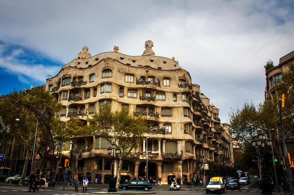 La casa Milà, Barcelone