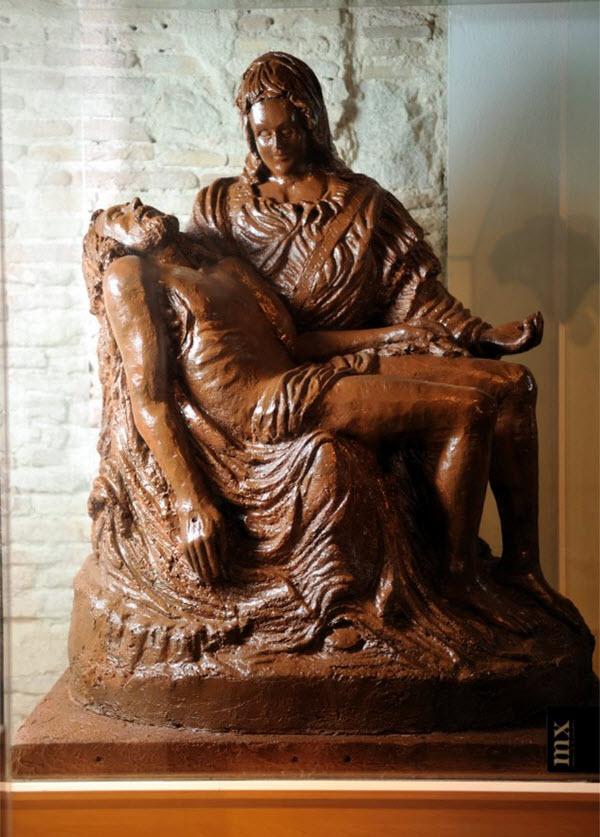 statues chocolat